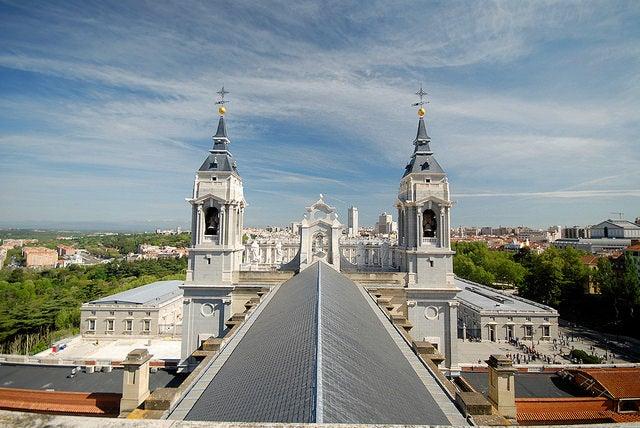 Campanarios de la catedral de la Almudena
