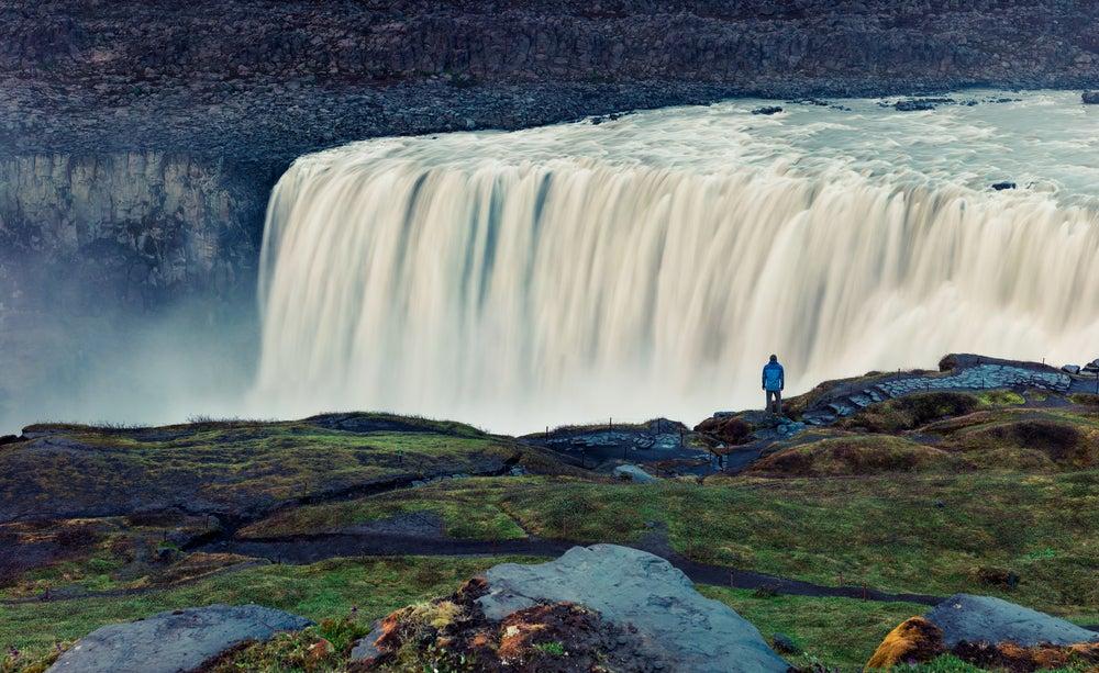 Cascada Detifoss en la ruta circular de Islandia
