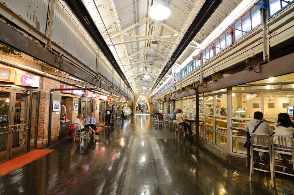 Visitar Chelsea Market.,una de las cosas que hay que hacer en Nueva York