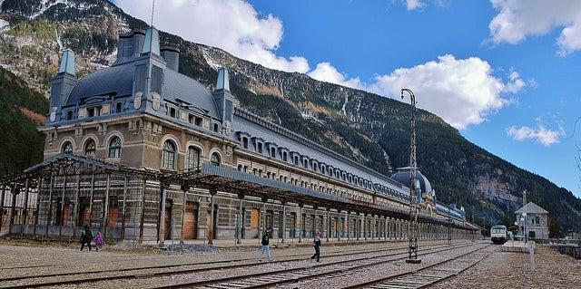 Estación de Canfranc en el Pirineo de Huesca