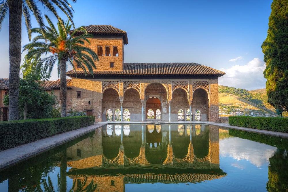 La Alhambra, uno de los lugares más turísticos de España