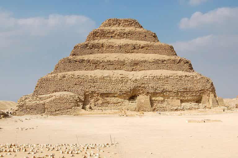 Cómo llegar a la pirámide escalonada de Zoser