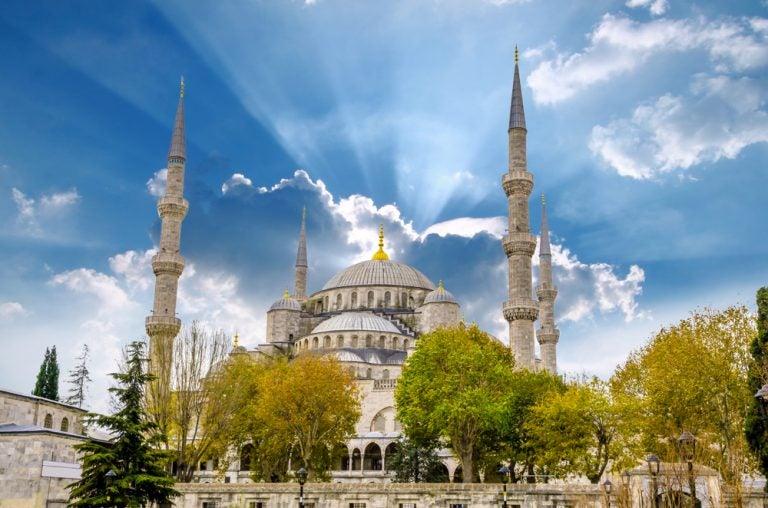 Conoce la increíble historia de la Mezquita Azul de Estambul