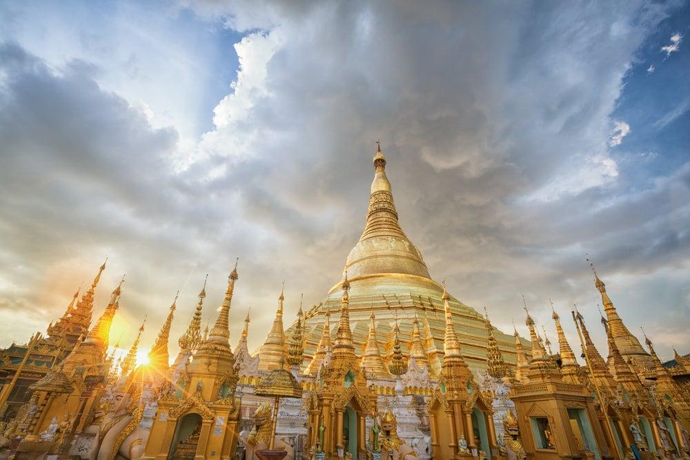 Pagoda Shwedagon en el templo de Yangón
