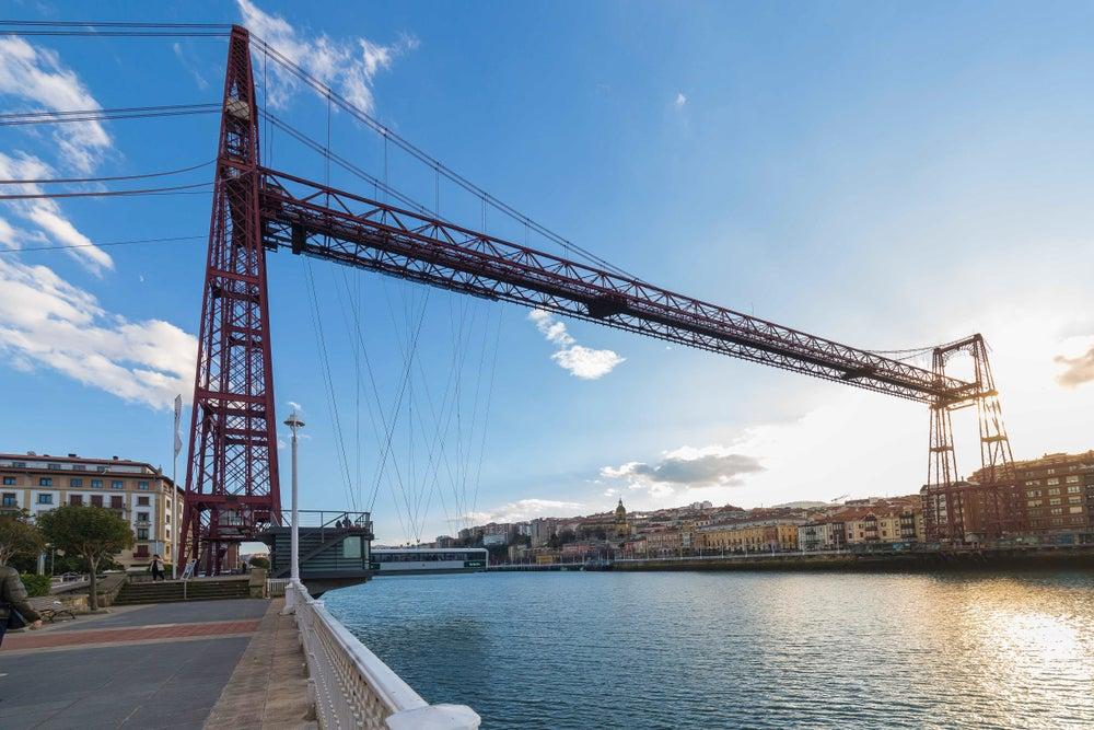 Cruzar el Puente Colgante de Vizcaya, una experiencia única