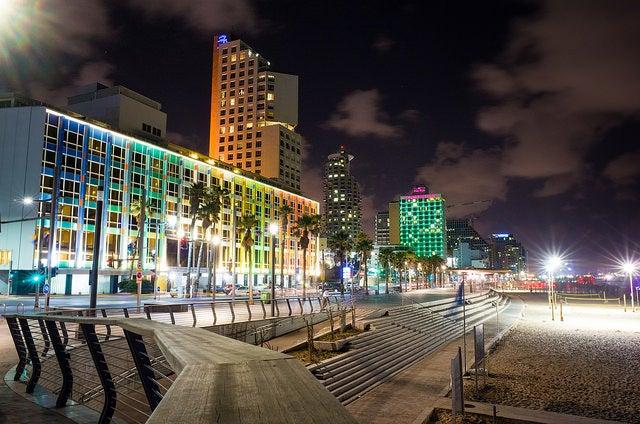 Tel Aviv de noche