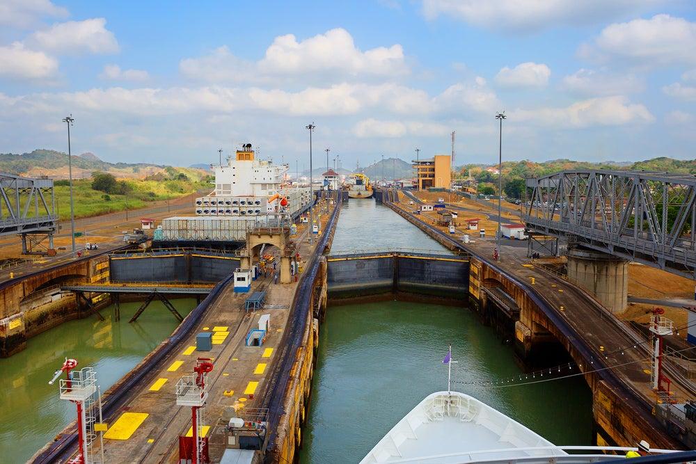 Esclusas en el Canal de Panamá