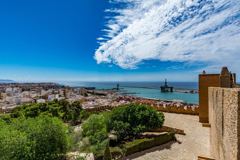 Lo mejor que puedes ver y hacer en Almería