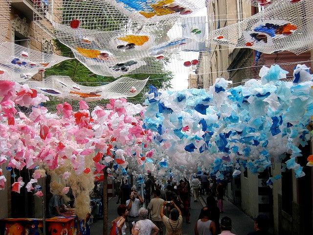 Barrio de Gracia en fiestas, una de las cosas que hacer gratis en Barcelona