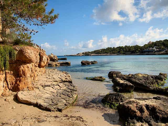 Descubrimos lugares recónditos en Portinatx, Ibiza