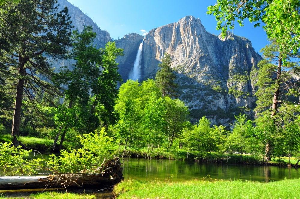 Cascada en el Parque Nacional Yosemite