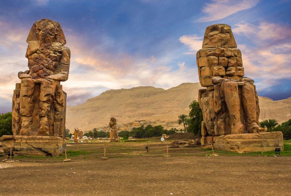 Historia y curiosidades de los colosos de Memnón
