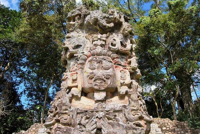 Esculturas en las ruinas de Copán