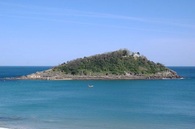 Isla de Santa Clara en San Sebastián