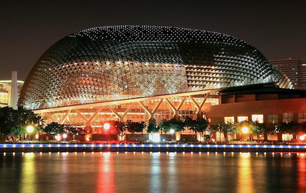 Iluminación del Teatro Ópera Esplanade