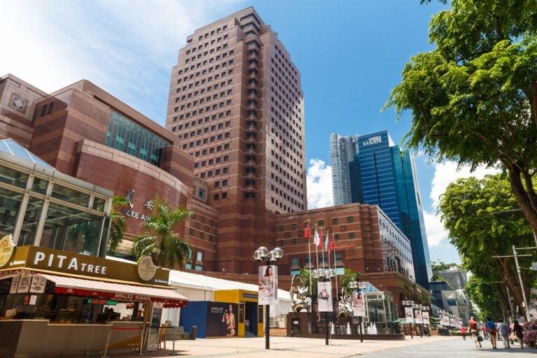 Conoce Orchard Road, la mayor avenida de Singapur