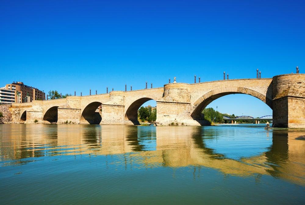 Puente de Piedra, uno de los monumentos de Zaragoza