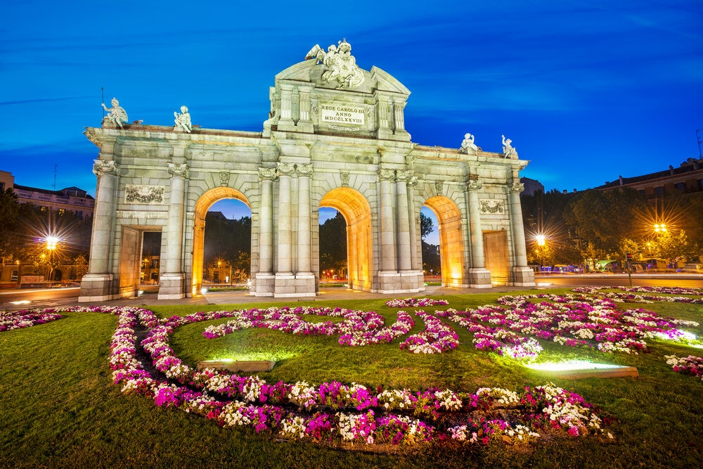 Puerta de Alcalá de Madrid de noche