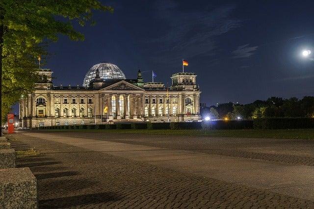 REichstag de Berlín por la noche