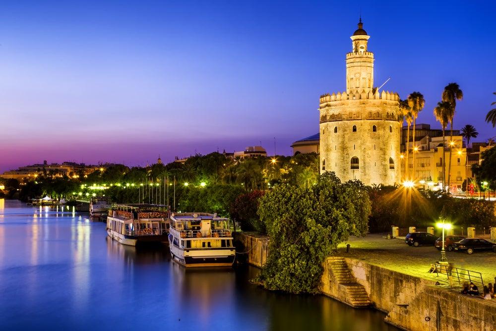 Es hora de realizar un recorrido nocturno por Sevilla