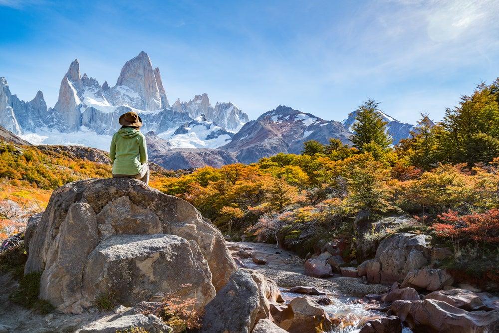 Viajera en la montaña