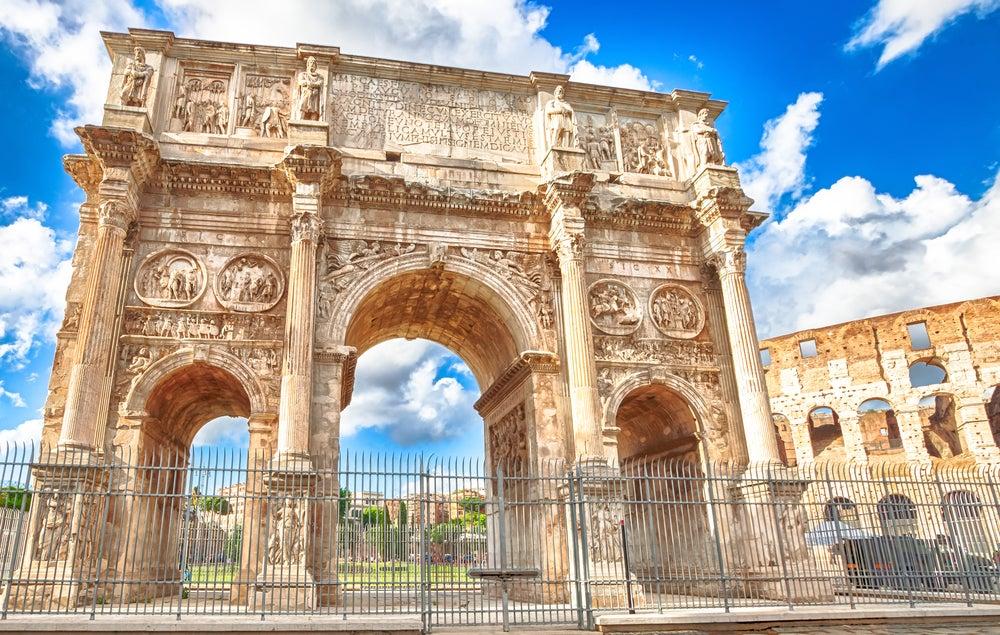 Arco de Constantino, vestigio de la historia romana