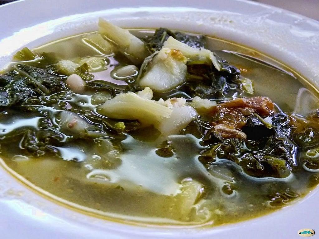 Caldo gallego, uno de los platos gallegos más deliciosos