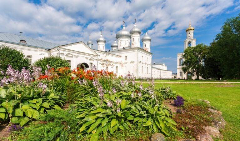 Cómo llegar al monasterio de Yuriev en Rusia