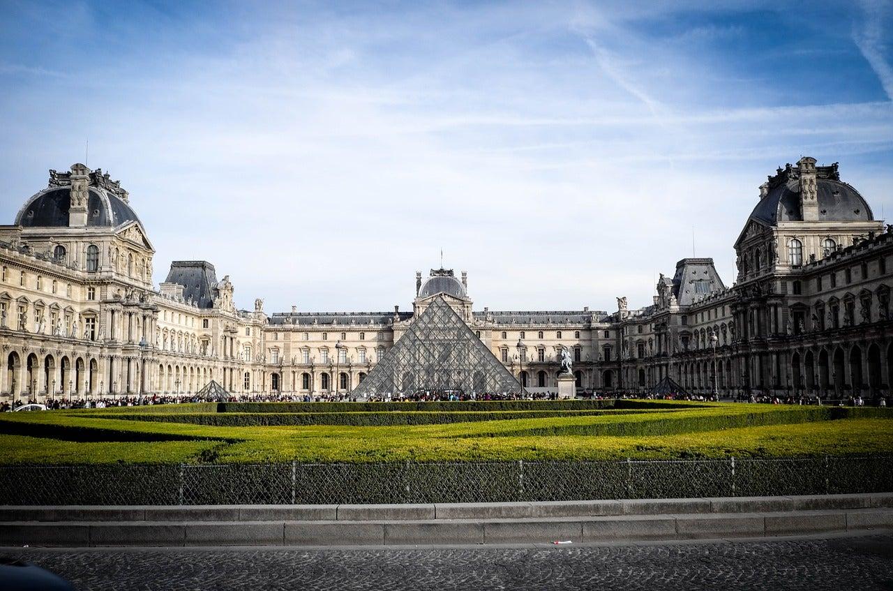 Museo del Louvre de París, uno de los museos más importantes de Europa
