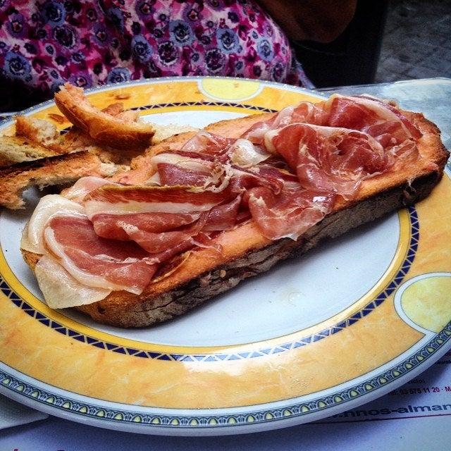 Pan tumaca en la gastronomía catalana