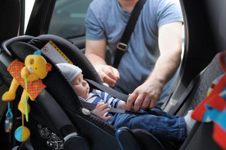 Consejos para viajar en coche con un recién nacido