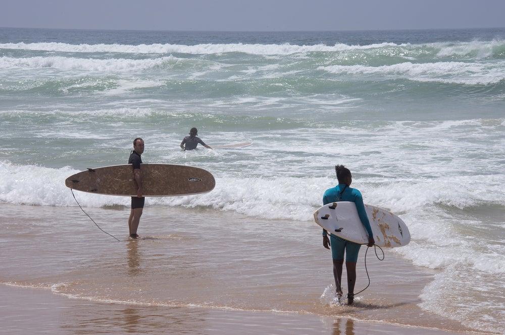 Surfistas en Senegal