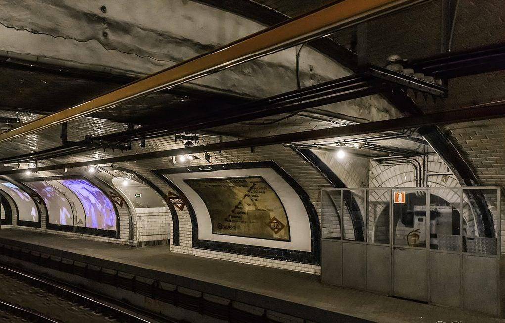 Andén de la estación de Chamberí