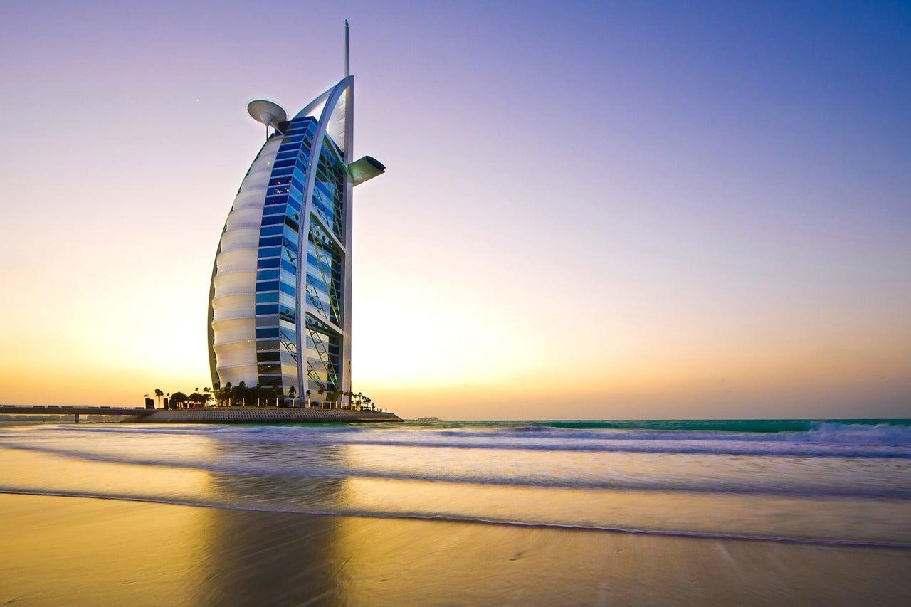 Hotel Burj Al Arab, uno de los sitios de Dubái más famosos