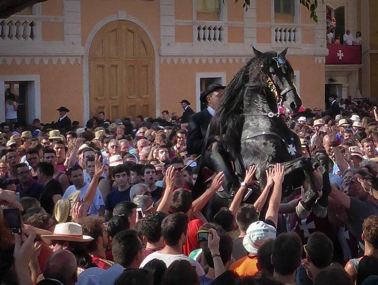 Las fiestas de Sant Joan en Menorca: tradición en torno al caballo