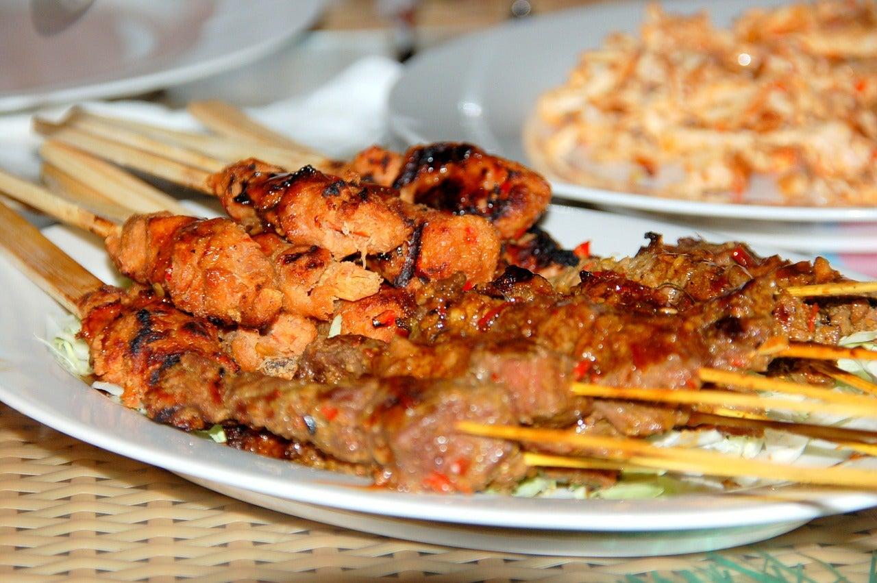Comida típica una de las cosas de las que disfrutar en Bali