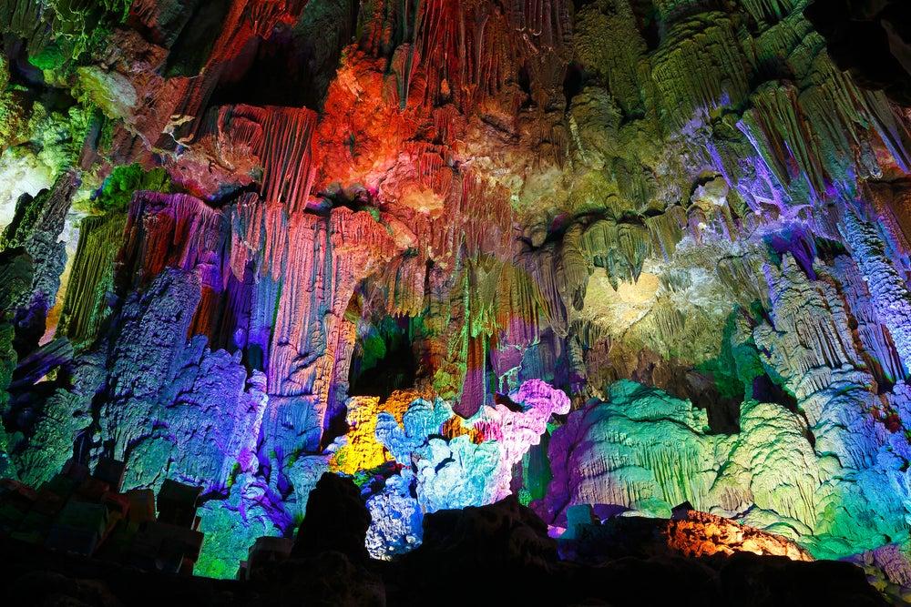 Las cuevas Reed Flute: descubre un paisaje de otro planeta
