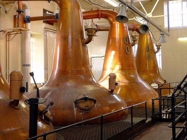 Destilería Highland Park en un tour y cata de whisky en Escocia