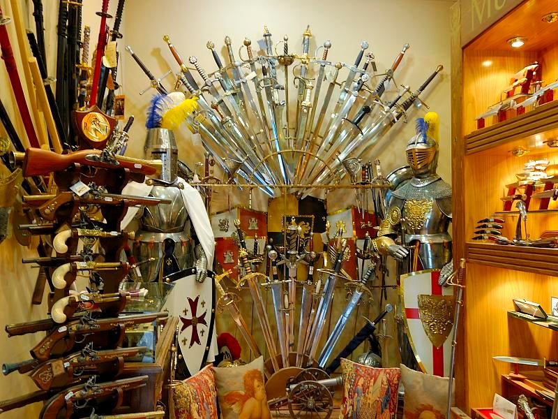 Tienda de espadas en Toeldo