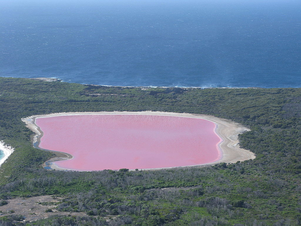 Lago Hillier, uno de los lagos más extraños del mundo