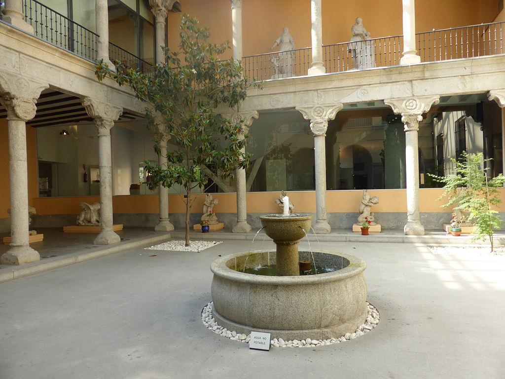 Patio renacentista del Museo de San Isidro