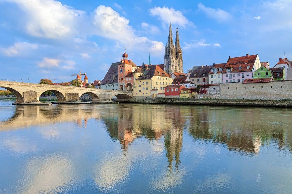 Río Danubio en Ratisbona en Alemania
