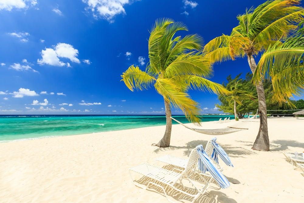 Seven Mile Beach en las islas Caimán