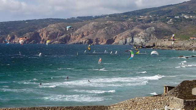 Surgfistas en la playa de Guincho