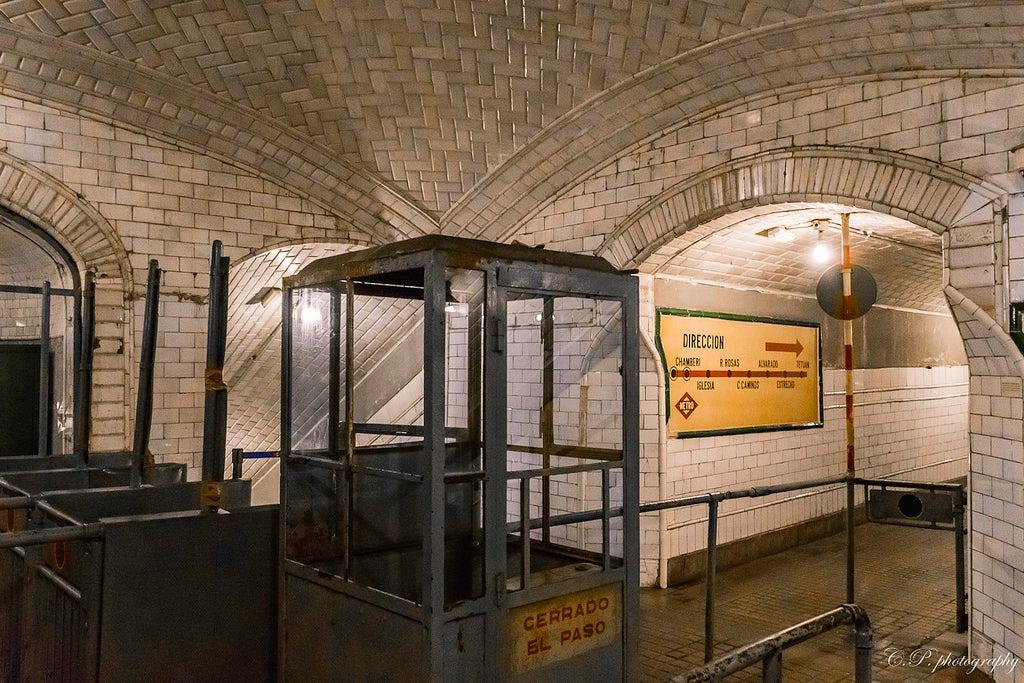 Taquillas de la estación de metro de Chamberí