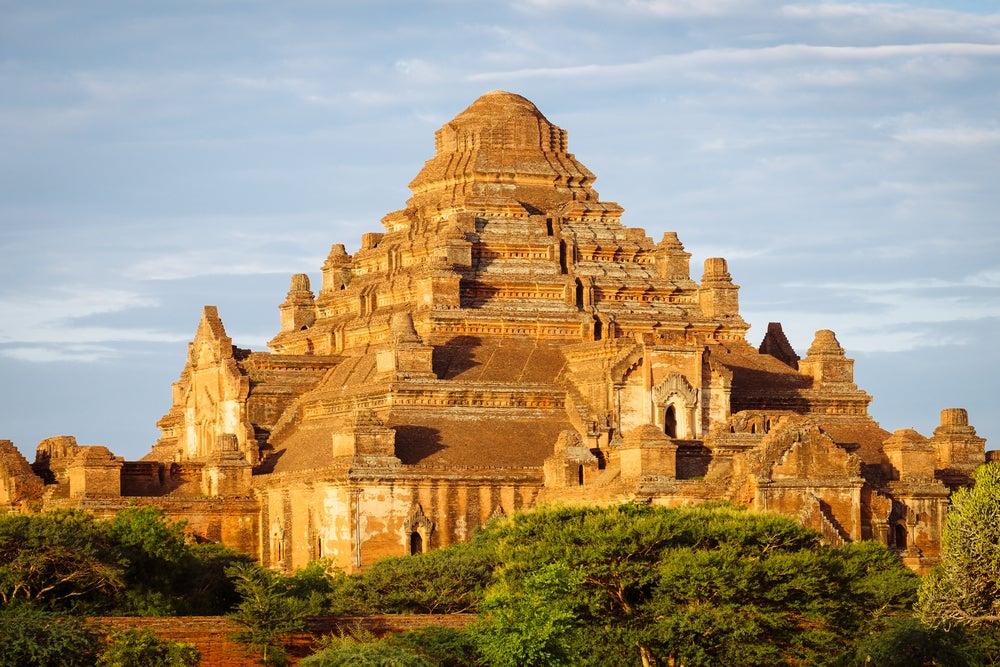 Templo Dhammanyangyi en Bagan