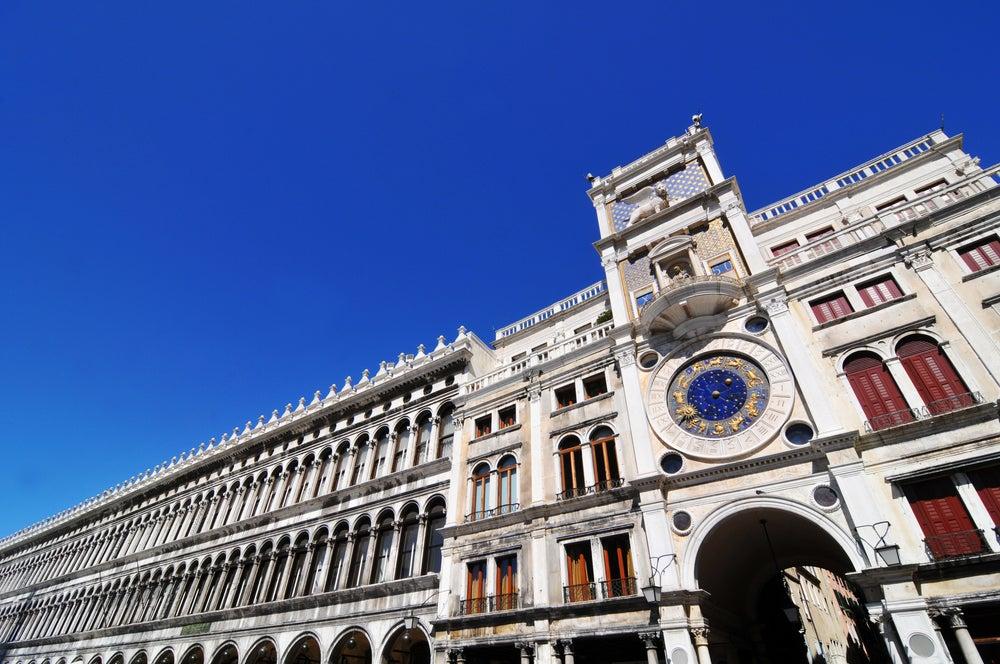 Reloj de la Torre dell'Orologio en Venecia