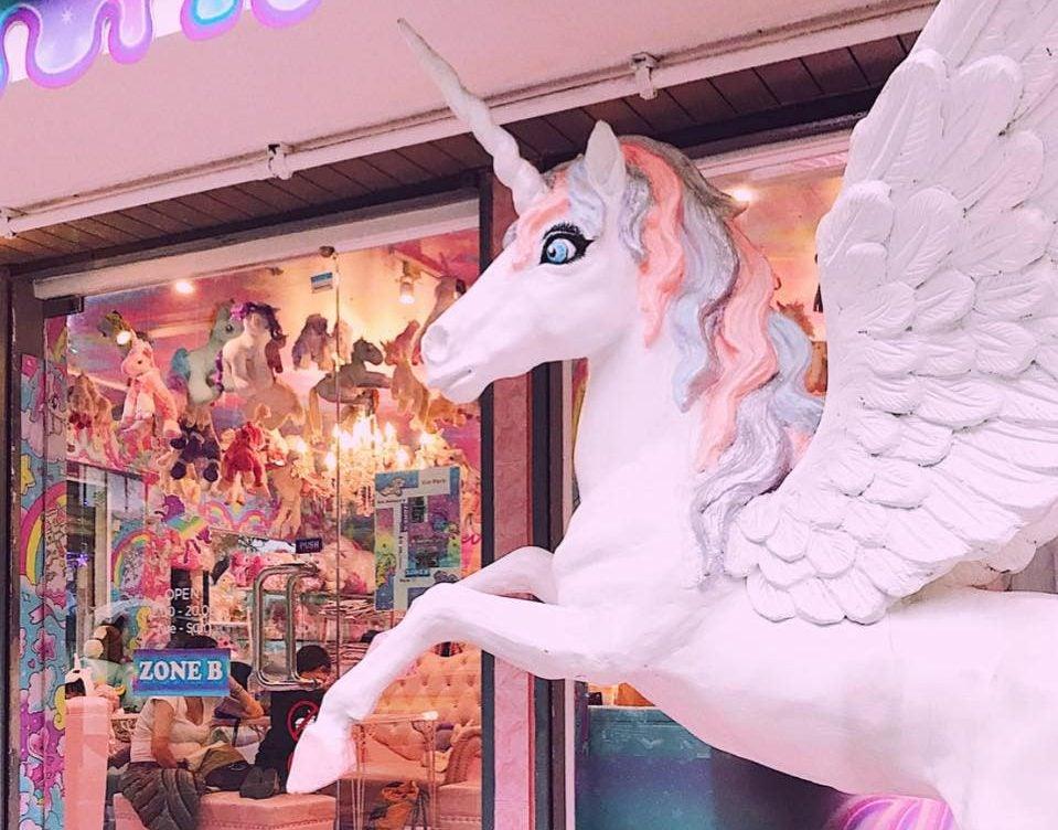 ¿Te gustan los unicornios? Visita Unicorn Cafe