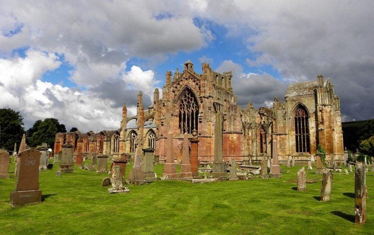 Una visita a la abadía de Melrose en Escocia