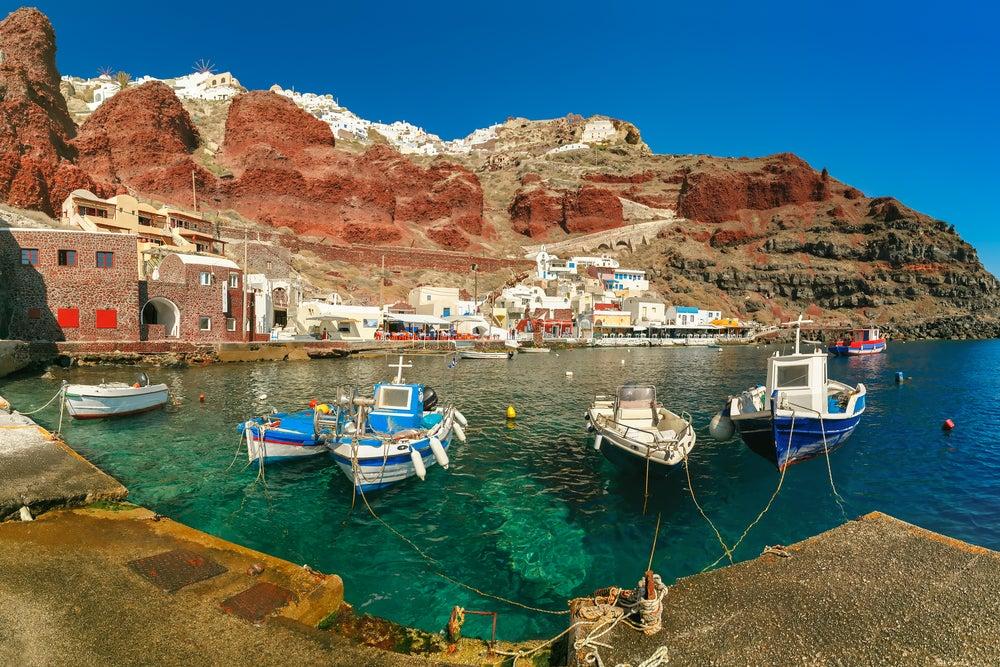 Puerto de Amoudi en Santorini